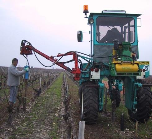 enfonce pieu Ariès 26 viticole d